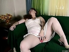 Super sexy fatty loves to fuck her juicy large pussy until she cums