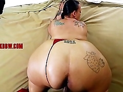LIGHT SKIN BIG MATURE ASS
