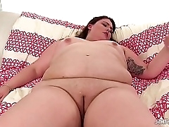 Chubby Autumn Cooper plays with sex toys