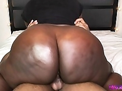 Black Booty Throws It Back And Rides The Dick Like A Bull